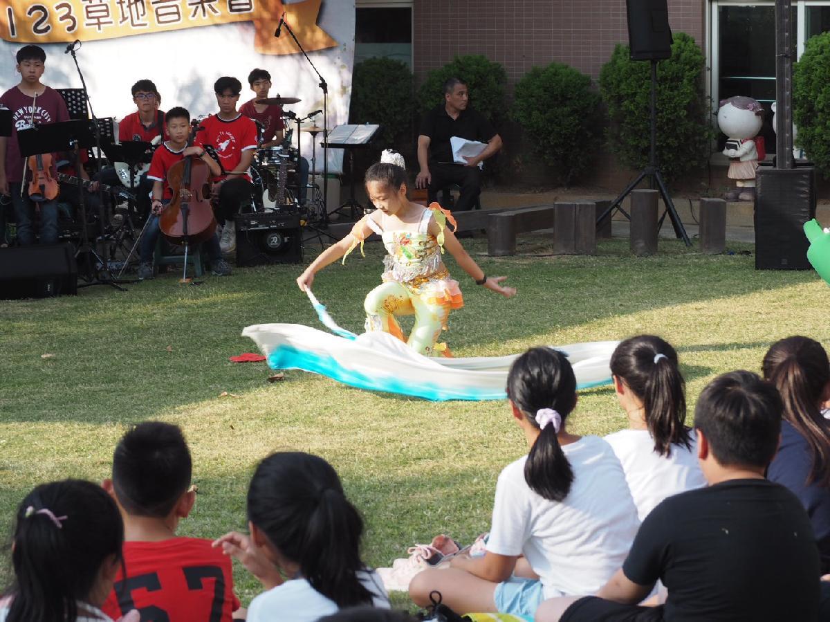 109-08-25~草地音樂會 (53)