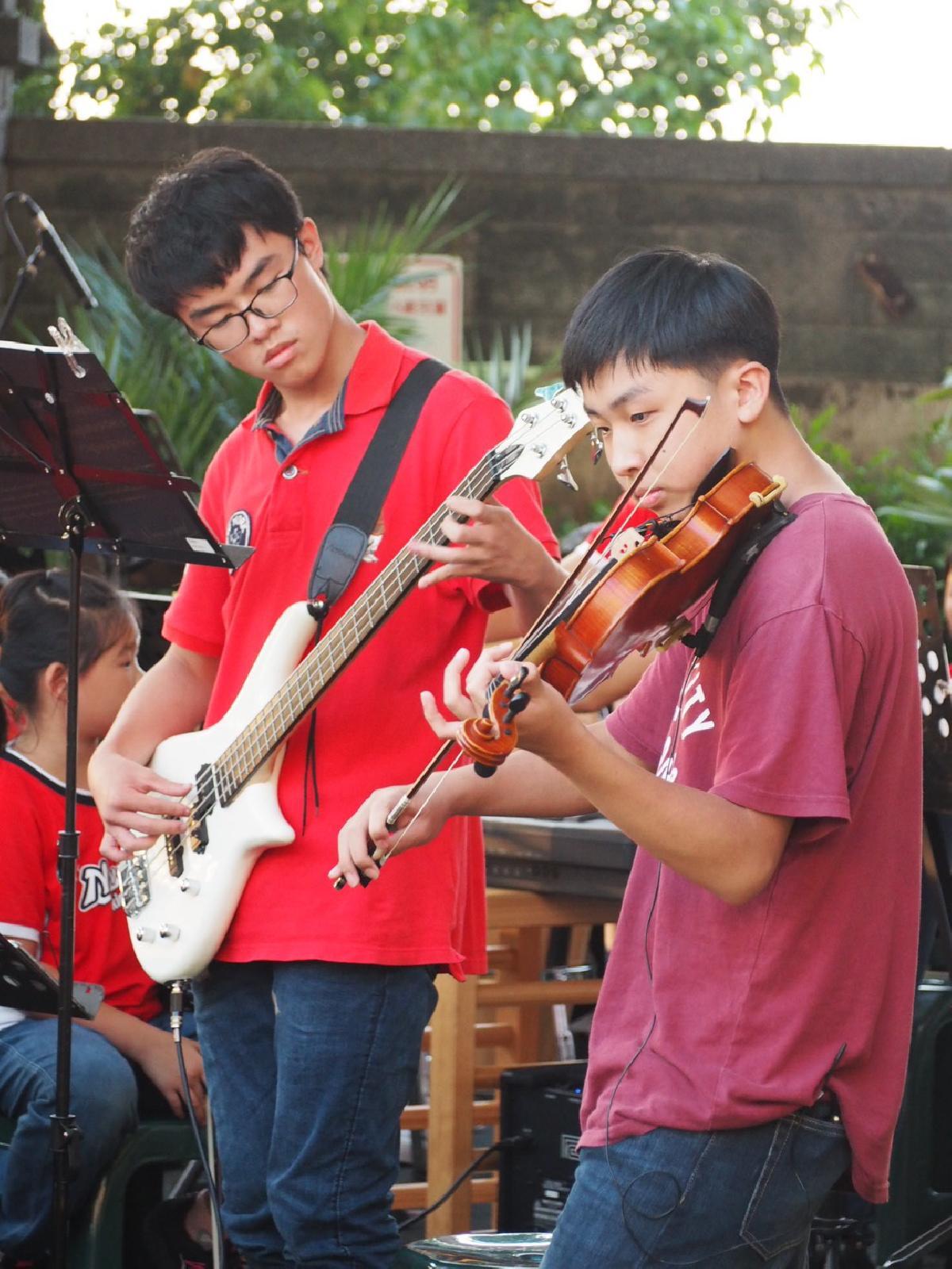 109-08-25~草地音樂會 (240)