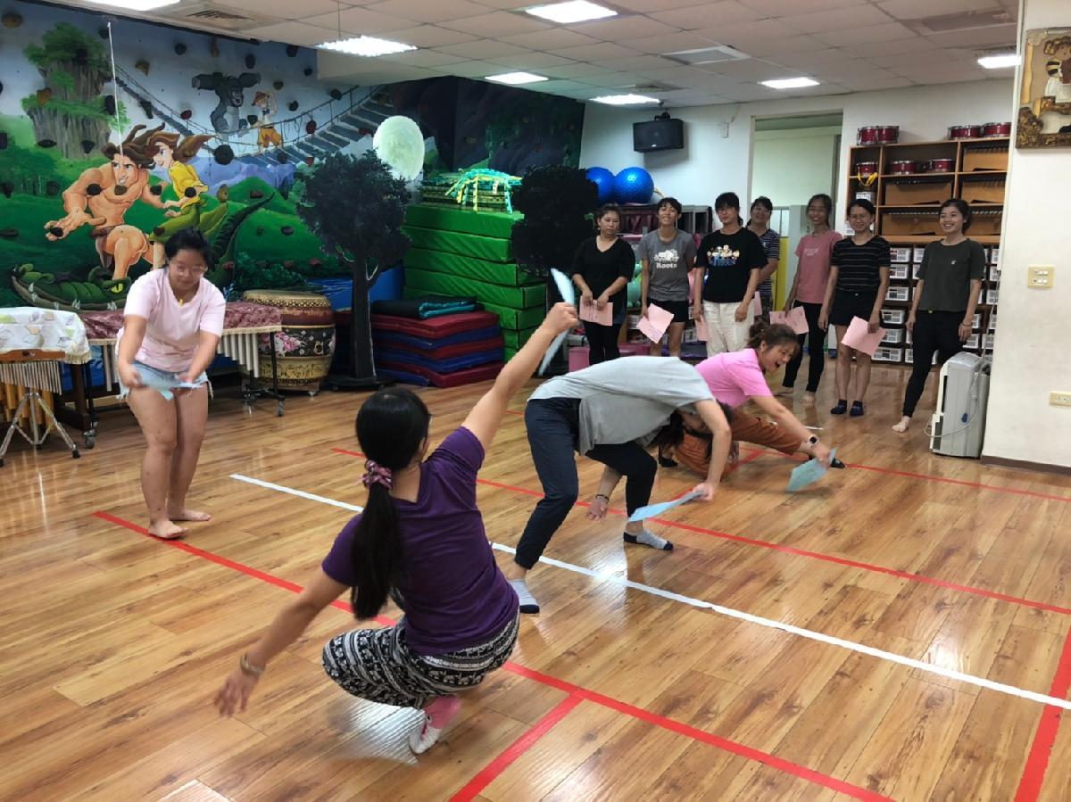 109-09-13~戲劇肢體研習 (29)