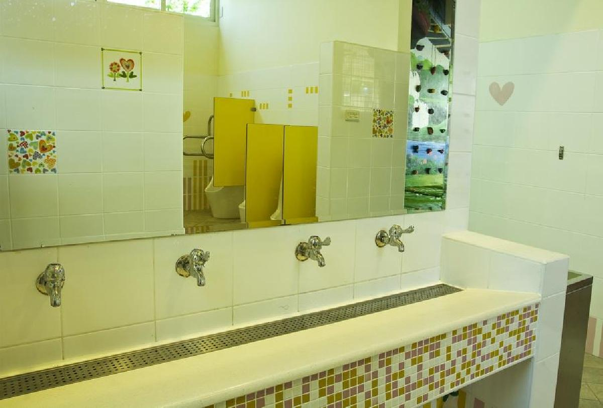 6.一樓孩童專用洗手間